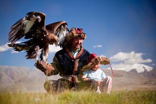 kazakh_eagle_hunter